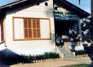 Primeira sede da Escola Charlotte
